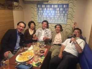 26回卒の二次会にて 出席者(敬称略50音順) 東、田代、長島、平岡、安田、元(写真班) 1次会には、直、元田 も出席してました。